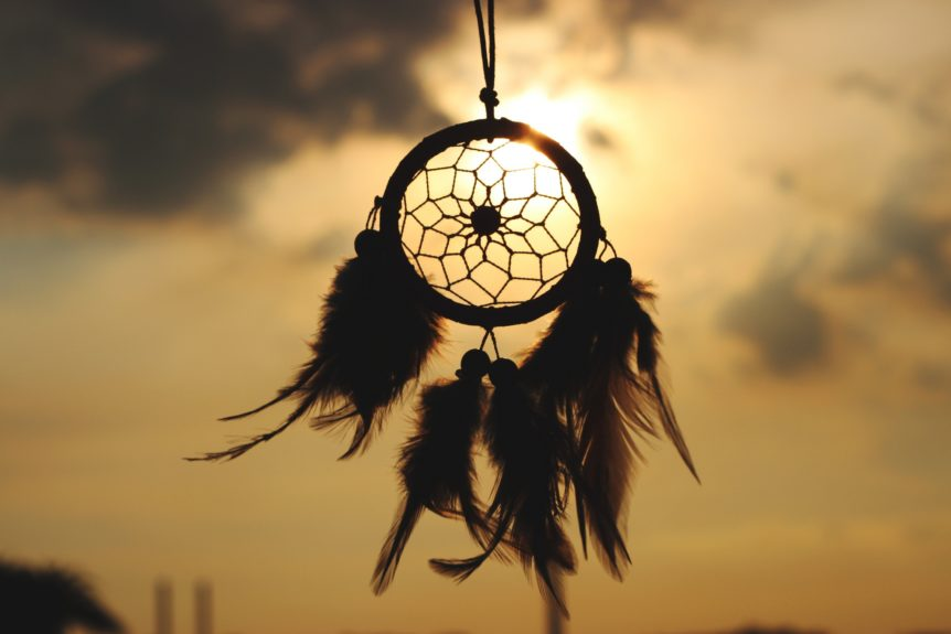 in your lucid dreams use a use a dream catcher as a reality check object